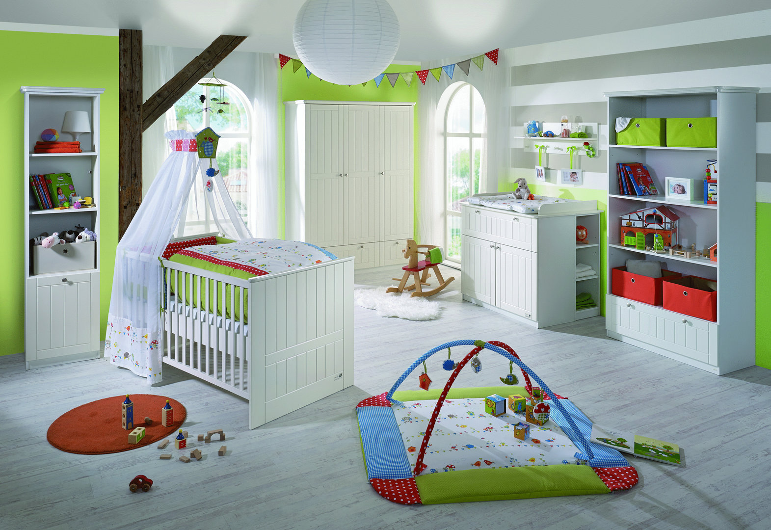 Roba zimmer dreamworld 2 bett wickelkommode schrank for Kinderzimmer ab 3